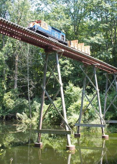 Rustic Landscape Houzz Tour: 20 Acres, a Train and a Midcentury Gem Fuel a Remodel