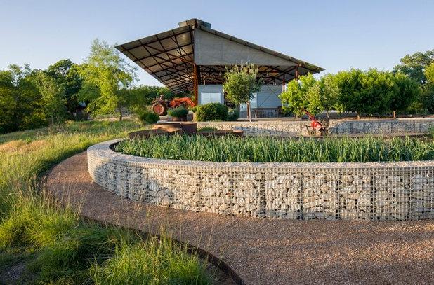 Contemporary Garden by Lake Flato Architects