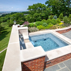 Traditional Landscape by Camery Hensley Construction, Ltd