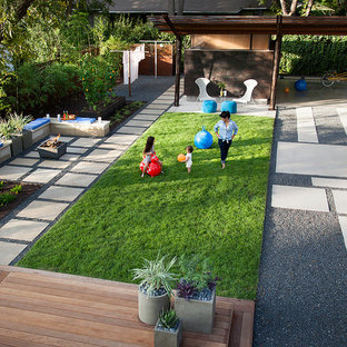 Inspiration for a modern landscaping in Austin.