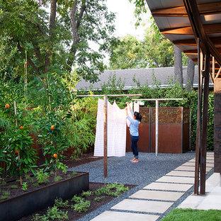 Modern inredning av en trädgård