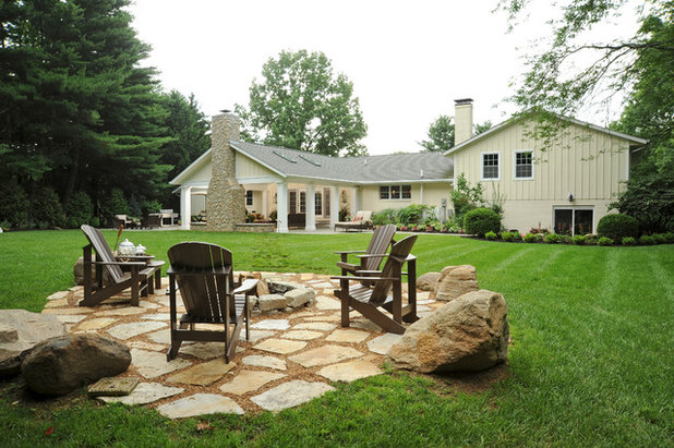 Traditional Landscape by Ketron Custom Builders