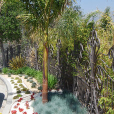 Traditional Landscape by BlueGreen Landscape Design