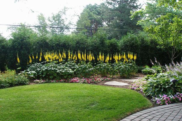 Traditional Landscape by The Barn Nursery & Landscape Center Garden Center