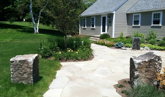 Irregular Bluestone Walkway with Bridge Block Pillars