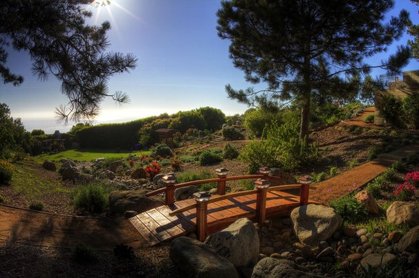 Traditional Landscape by Eco Minded Solutions