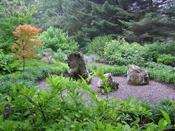 Asian Landscape by Garden Design, Inc.