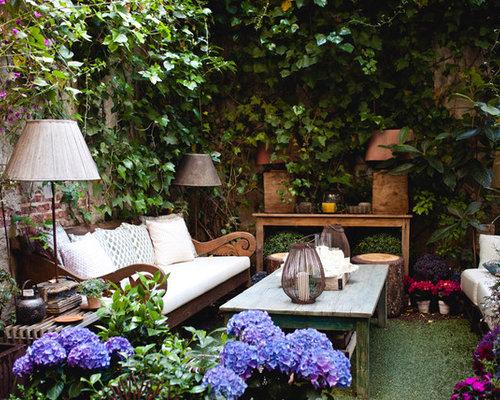 mediterraner garten mit pflanzwand ideen f r die. Black Bedroom Furniture Sets. Home Design Ideas