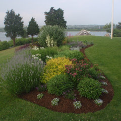 traditional landscape by Jennifer Jamgochian / Multiflora