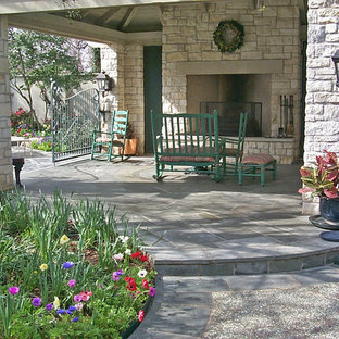This is an example of a traditional side yard stone landscaping in Dallas.