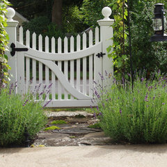 traditional landscape Kendall Lane Designs