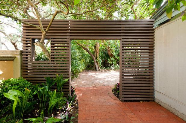 Tropical Garden by Dane Spencer Landscape Architecture