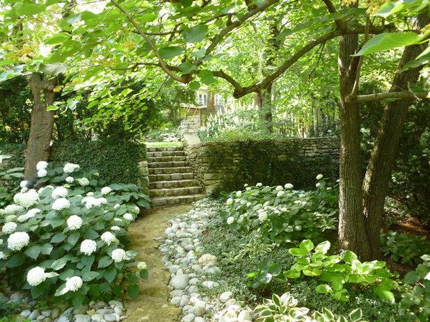 9 conseils de pro pour apprivoiser les zones d 39 ombre du jardin. Black Bedroom Furniture Sets. Home Design Ideas
