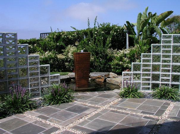 Contemporary Landscape by Studio H Landscape Architecture