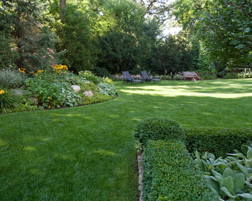 Berms planting design ideas remodel pictures houzz for Berm garden designs