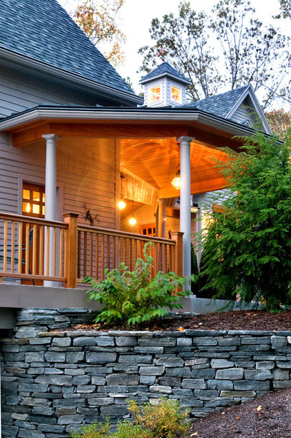 Traditional Landscape by Bonin Architects &  Associates