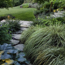Contemporary Landscape by Kenneth Philp Landscape Architects