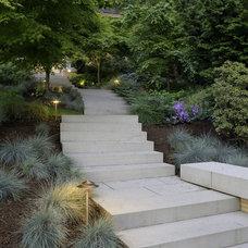 Contemporary Landscape by Kenneth Philp Landscape Architects