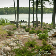 Rustic Landscape by Salmon Falls Nursery & Landscaping