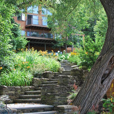 Traditional Landscape by Templeton Landscape Architecture & Planning