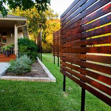 Contemporary Landscape by Dawn Hearn Interior Design