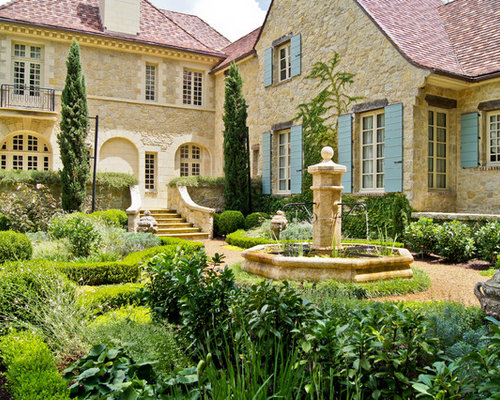 French courtyard design ideas remodel pictures houzz for Traditional landscape