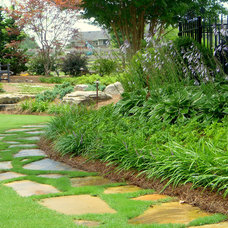 Traditional Landscape by Elements Landscape
