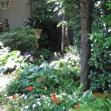 Traditional Landscape by Brumley Gardens
