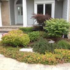 Traditional Landscape by Moonlake Landscaping, Inc.
