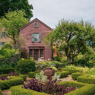 Design ideas for a traditional side yard brick landscaping in New York.