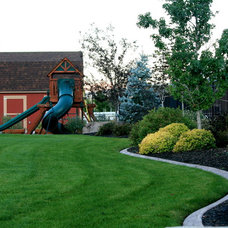 Traditional Landscape by Decorative Landscaping