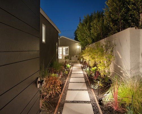 Side walkway houzz for Landscaping ideas for side of house