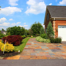 Traditional Landscape by Leveille Home Improvement Consultants, Inc.