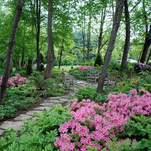 Выдающиеся фото от архитекторов и дизайнеров интерьера: участок и сад в классическом стиле с покрытием из каменной брусчатки