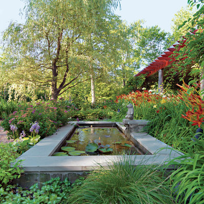 Inspiration for a traditional water fountain landscape.