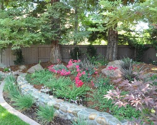 Jardin Montagne Avec Un Mur De Sout Nement Photos Et Id Es D Co De Jardins