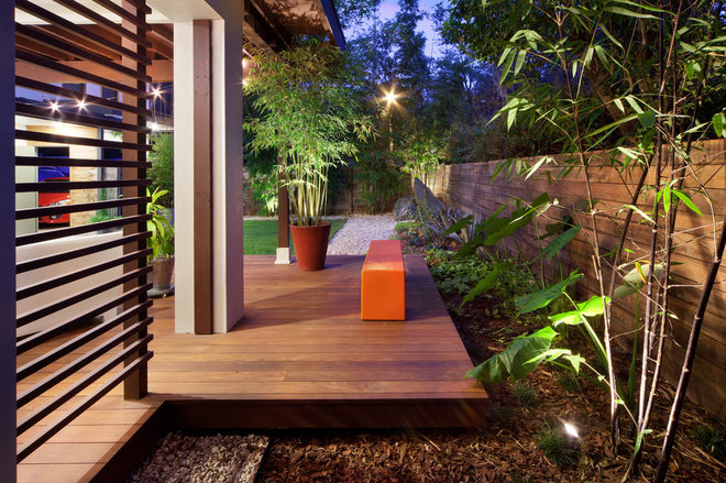 Contemporary Landscape by Evergreen Consulting / 4EGC