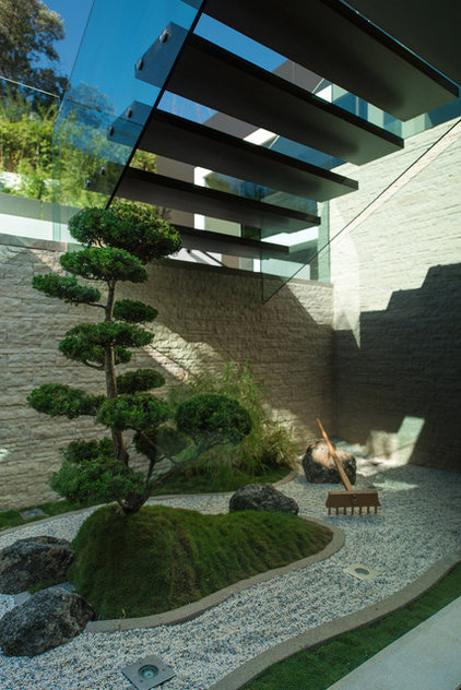 Asian Landscape by Whipple Russell Architects