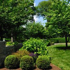 Farmhouse Landscape by The LaurelRock Company