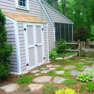Modelo de jardín tradicional en patio lateral