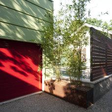Contemporary Landscape by Loop Design