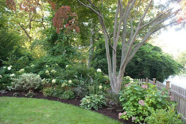 12 ways to make better use of yard corners for Westover landscape design