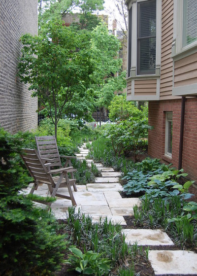 Traditional Garden by Prassas Landscape Studio LLC