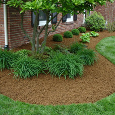 Traditional Landscape by Perfect Earth Landscape LLC
