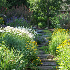 Traditional Landscape by Dear Garden Associates, Inc.
