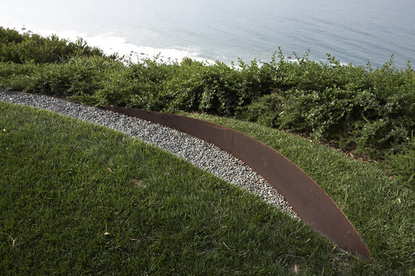 Contemporary Landscape by Artecho Landscape Architecture