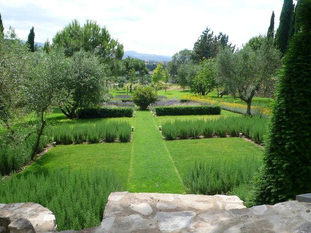 Come sistemare il vecchio giardino di una casa di campagna - Giardino di campagna ...