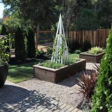Craftsman Landscape by Environmental Foresight, Inc.
