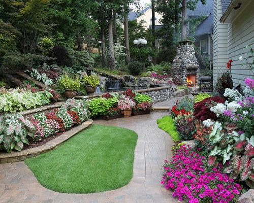 Landscaping flower beds houzz for Landscaping flower beds