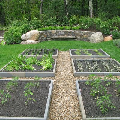 Design ideas for a large coastal full sun backyard gravel landscaping in Boston.